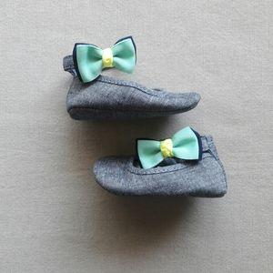 Gymboree Chambray Bow Crib Shoes